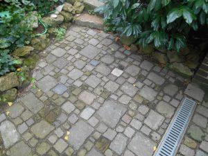 Strauchliebe Pflasterarbeit Granit